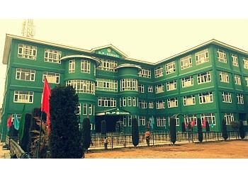 R P School