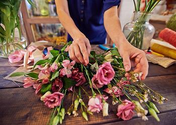 Rosa Flower Mart
