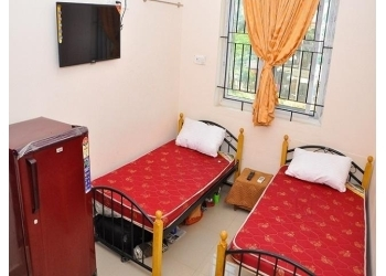 Sai Spoorthi Deluxe Women's Hostel