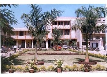 Saifia Arts Commerce & Law College