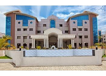 Sri Manakula Vinayagar Medical College And Hospital