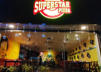 Superstar Pizza